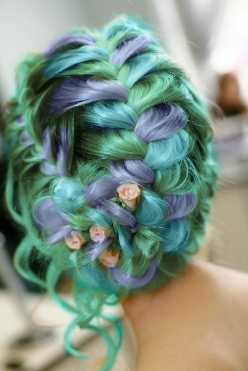 pastel-goth-princess:  valkyriethais:  Fairy tale beautiful hairstyle on We Heart It - http://weheartit.com/entry/61806560/via/valkyriethais Hearted from: http://pinterest.com/pin/329536897703599863/  ❤