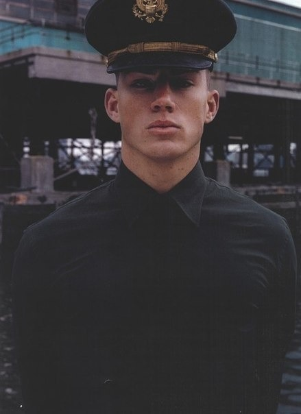 sighruben:  overfierce:  channing o m g   idc, i just cannot not reblog this again, c'mon he is sex