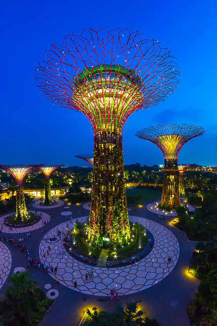 Gardens at the Bay, Singapore - These outstanding botanical gardens light up in the night in Singapore. (outstandingplaces.com)