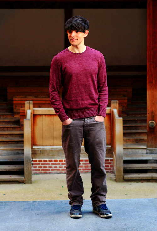 1/25 pictures of Colin Morgan (x)