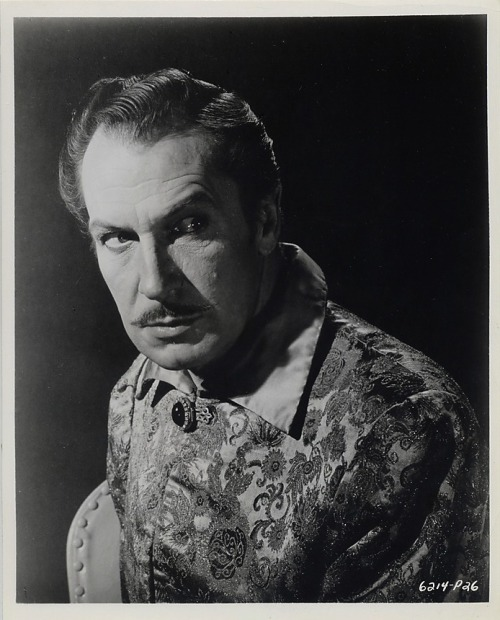 Publicity photo of Vinnie for The Raven (1963)