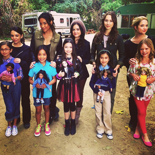 aaajmachine:  The one time Aria was taller than everyone.