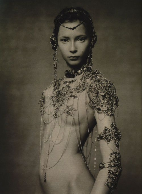 "sfilate:  Tiiu Kuik in ""The Poetic Spirit"" photographed by Paolo Roversi for Vogue Italia, September 2003"