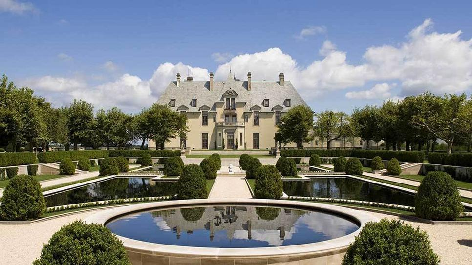 The Oheka Castle in Huntington, New York (via Oheka Castle : Daily Escape : Travel Channel)