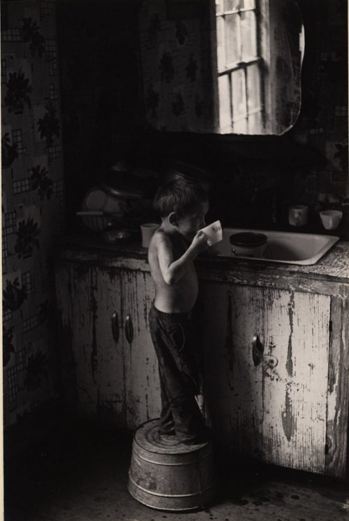 kvetchlandia:  William Gale Gedney     Boy Standing on Washtub, Drinking, Kentucky     1964