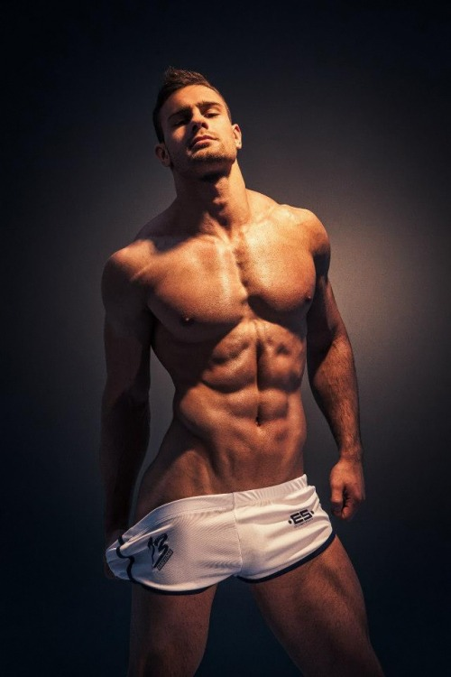 tumblr mn6sy0Hnyh1qgucp7o1 500 Kirill Dowidoff for the ES Collection 7  RED MEAT | FACEBOOK |...