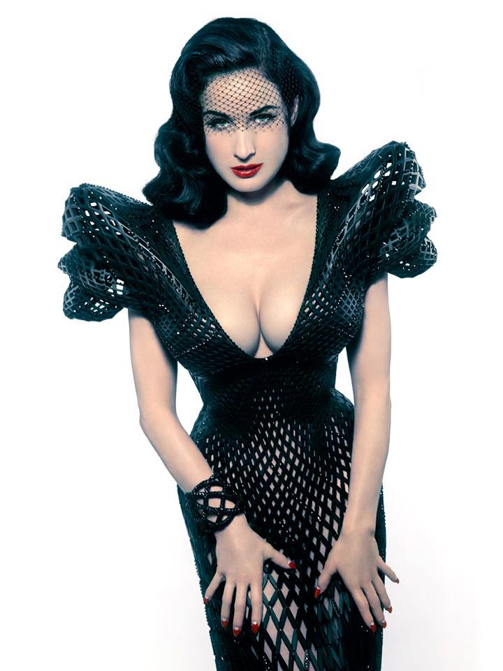 gonnalosethatgirl:  The vamptastic Dita Von Teese in an amazing 3-D printed dress.