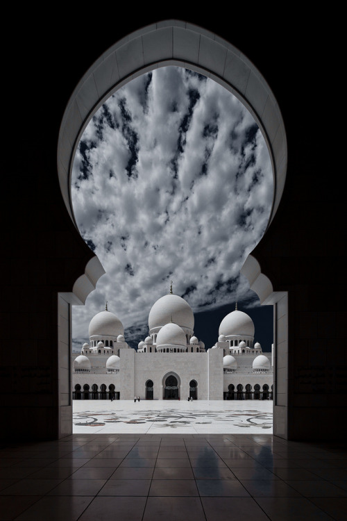 Sheikh Zayed Mosque - PORTAL