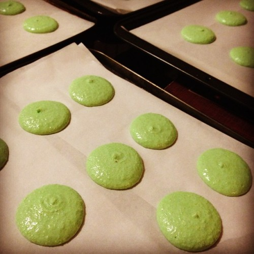 Peppermint Macarons, take two! #macarons