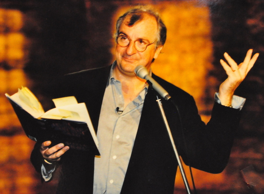 awesomepeoplereading:  Douglas Adams reads. Uses copious Post-Its.