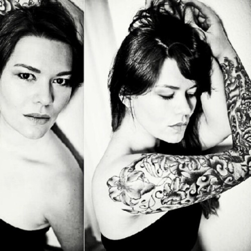 #tattooedsweethearts  #tattooedgirls #tattoos #hot #hotgirls #portrait #hottattoo