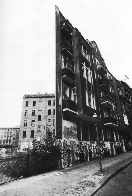 betonbabe:  WOLFGANG KROLOW  A FACADE WITHOUT A BUILDING, BERLIN KREUZBERG, LATE 1970s/ EARLY 1980s