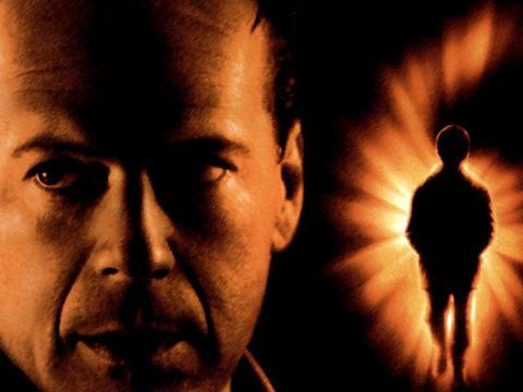 "OLD LADY MOVIE NIGHT: ""THE SIXTH SENSE""by Anne T. Donahue http://bit.ly/WcfD3g"