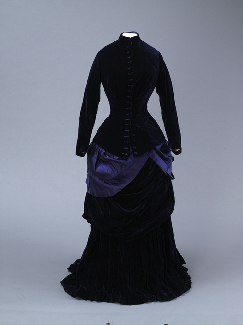 fripperiesandfobs:  Dress, 1889 From the Hull Museums