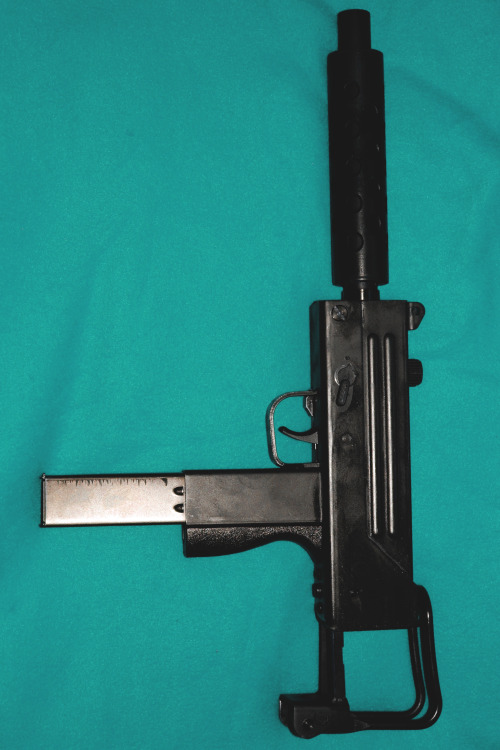 drugera:  MAC 10 | Source |