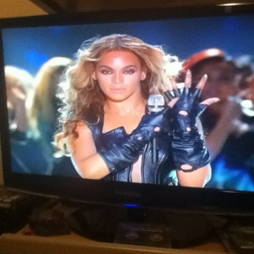 She was too ready #beyonce #beyhive ❤🏆🏈✨💯