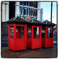 Phoneboxes of Dunedin#oamarusteampunkroadtrp #phonebox #dunedin (at Dunedin, New Zealand)