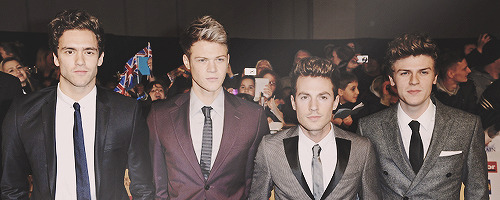 iwantlawsonbabies:  OMG the boys in suits