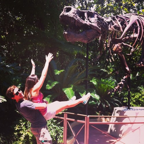 Take me! #animalkingdom #dinosaur #happiestplaceonearth (at Disney's Animal Kingdom)