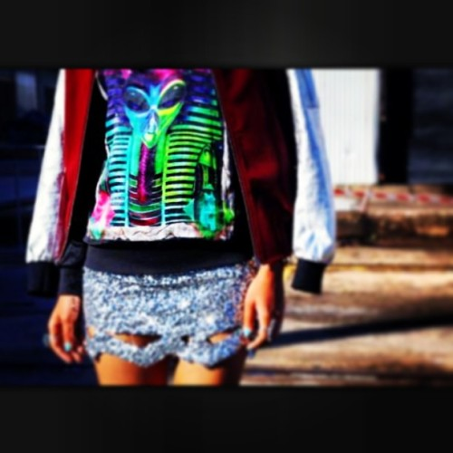 Need this outfit now! #fashion #fashionblogger #sequins #brightprints #bomberjacket