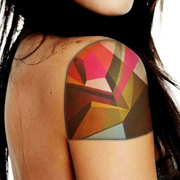 Looove this tattoo.