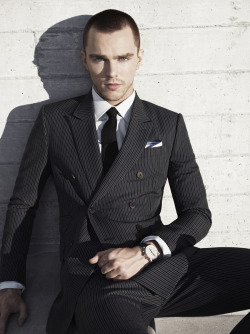 Nicholas Hoult for GQ Magazine See the rest of the story at http://www.jacobsutton.com/index.php?section=portraits&portfolio=gq_nicholas_hoult