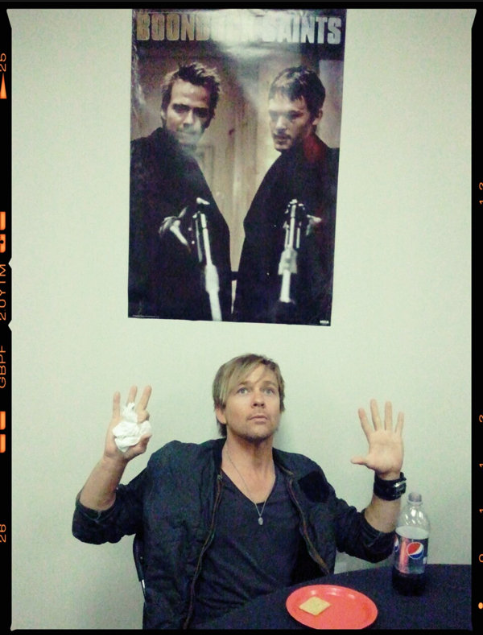 "we-love-flandus:  ""Caught… red handed."" (via @seanflanery )"