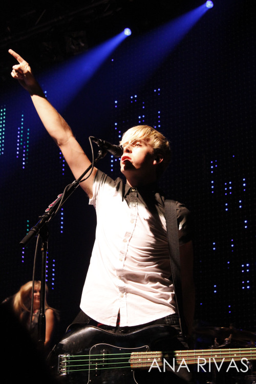anaaabella:  Riker Lynch, LOUD Tour - Los Angeles (5/19/13)