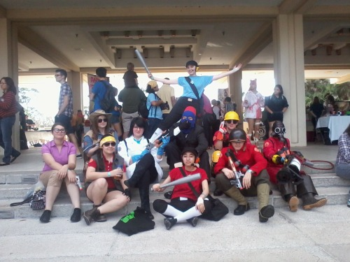 sullensniper:  Here's a shot of the biggest TF2 cosplay group I've come across in the history of possibly ever. Seeing groups like this brings a tear to my eye. :')