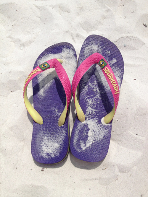 | Summer Time = Havaianas Time | (via Pic Of The Day – April 24, 2013)