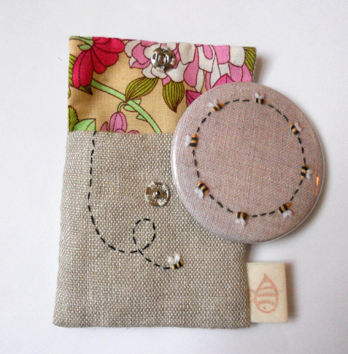Bee Pocket Mirror and Pouch on Flickr.Via Flickr: Special version pocket mirror.         Blogged - themasonbee.blogspot.co.uk/2013/02/ring-of-bees-pocket-mi…