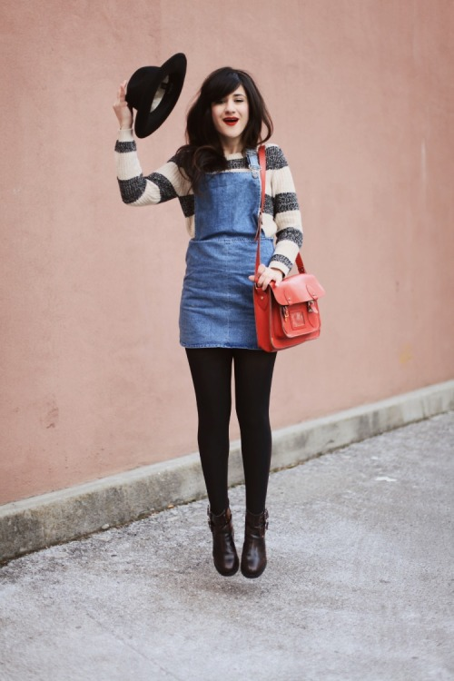 not quite ready to rock a romper? Why not try an overall dress like Bonnie of Flashes of Style?