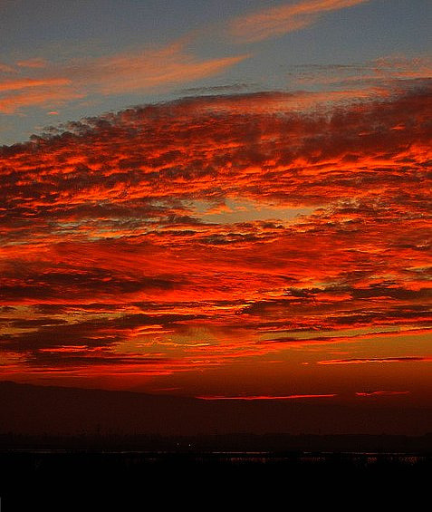 kvbali:  ~~Blood Red Skies #1~~~ by TravelsThruTheUniverse on Flickr.  California? This weekend? Fingers crossed.