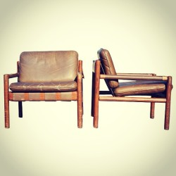 #NEW #CHAIRS #NICOS #ZOGRAPHOS #forSALE BLACK #LEATHER #nicoszographos #retro #vintage #moma #museumofart #NY #newyork #greek #architecture #interior #midcentury #saronis #auction #tate #Bauhaus  (at Roseber Avenue)
