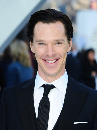 deareje:  Benedict Cumberbatch arriving for the premiere of Star Trek Into Darkness at the Empire Leicester Square, London.