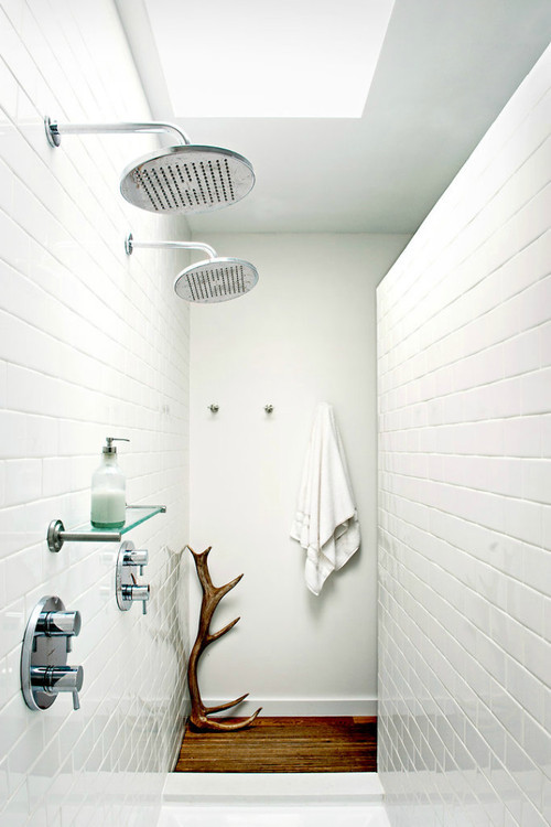 Source: NY TimesAmazing antler! Pretty sleek walk-in shower too :) Enjoy the weekend whatever you might be doing!