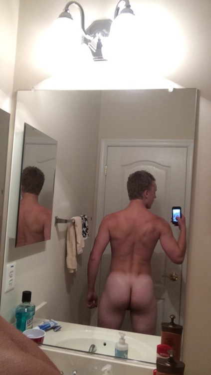 ksufraternitybrother:YEAH!KSU-Frat Guy:  Over 43,000 followers . More than 31,000 posts of jocks, cowboys, rednecks, military guys, and much more.  Follow me at: ksufraternitybrother.tumblr.comFat ass