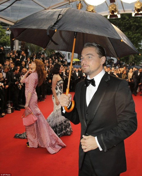 elizabethswardrobe:  Leonardo DiCaprio, Florence Welch in Miu Miu and Lana Del Rey at the premiere of The Great Gatsby and the Opening Ceremony at the Cannes Film Festival.