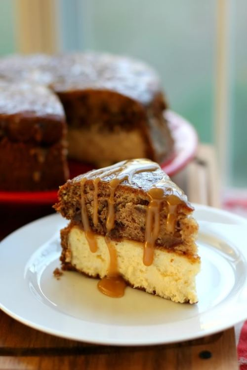 cakesonholiday:  Sticky Toffee Pudding Cheesecake