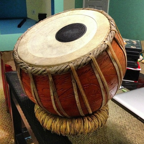 My folks are awesome! Check out this sweet Baul Drum they picked up for me in Philly! @cindyyountlc86 #drum #handdrum #music #percussion #awesomeparents (at Cody and Dapples' Pad)