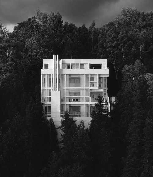 pronao:  Douglas House (1971-1973) - Richard Meier