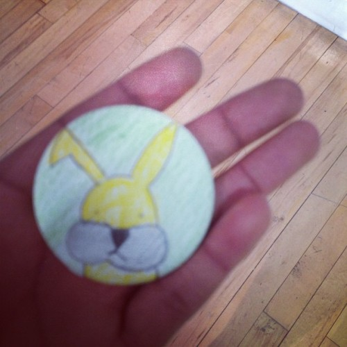 Making badges in Oldham Art Gallery…  @artbyomni  #rabbits #badge #oldhamgallery #oldhamartgallery #drawing #illustration #art #sketch #artbyomni