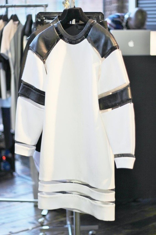 v-oguerush:  n-ulo:  edge-to-edge:  Alexander Wang  Wang is the master  indeed he is