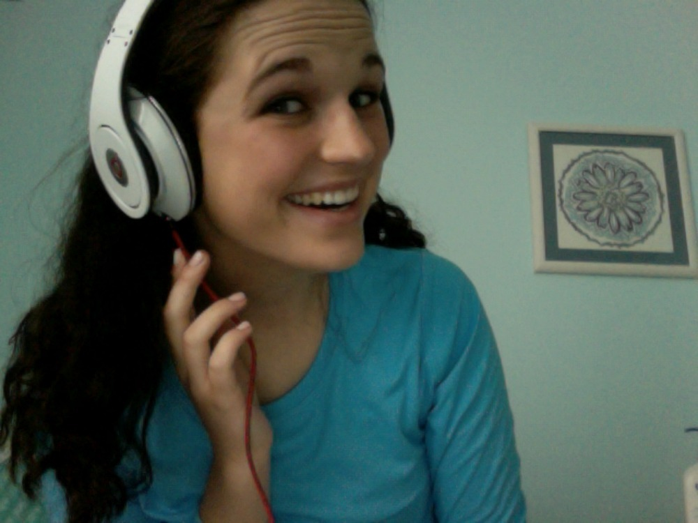 outshine-thestars:  BEAT HEADPHONES LIFE COMPLETE  lol youre funny