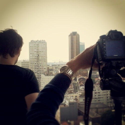 Still shooting our new #music #video from the roofs #highinthesky (à Sint-Joostplein / Place Saint-Josse)