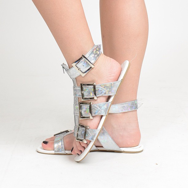 KARLIE SANDALS in Silver Hologram now available at The Ramp Trinoma! 😊 For online orders, text/viber us at 09175070585! 💋