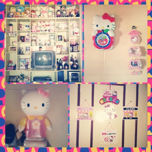 Ate Noreen's adorable Hello Kitty collection!! 💗#hellokitty #cute #collection #photogrid (at Pulilan, Bulacan)