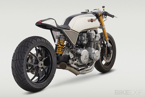 rhubarbes:  (via Honda CB cafe racer | Bike EXIF)   Hooooly shit that's pretty