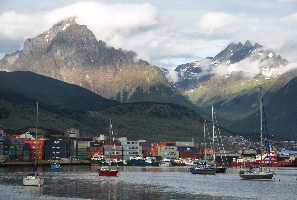 The port and the mountains / El puerto y las montañas Ushuaia, Argentina - © Diego Cupolo 2013