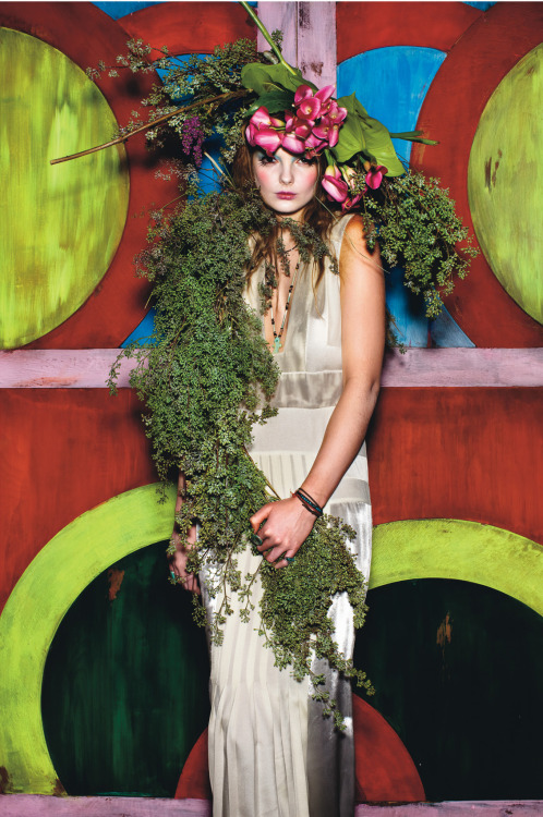 wmagazine:  Photo by Mario Sorrenti Merry Christmas from our human tree, Eniko.